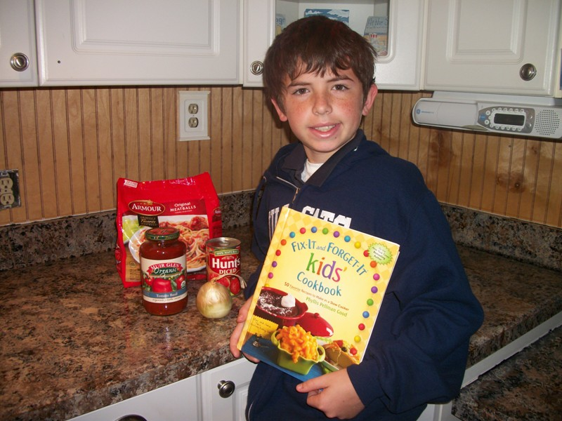 Crock Pot Thursday & Book Review *Meatball Subs*