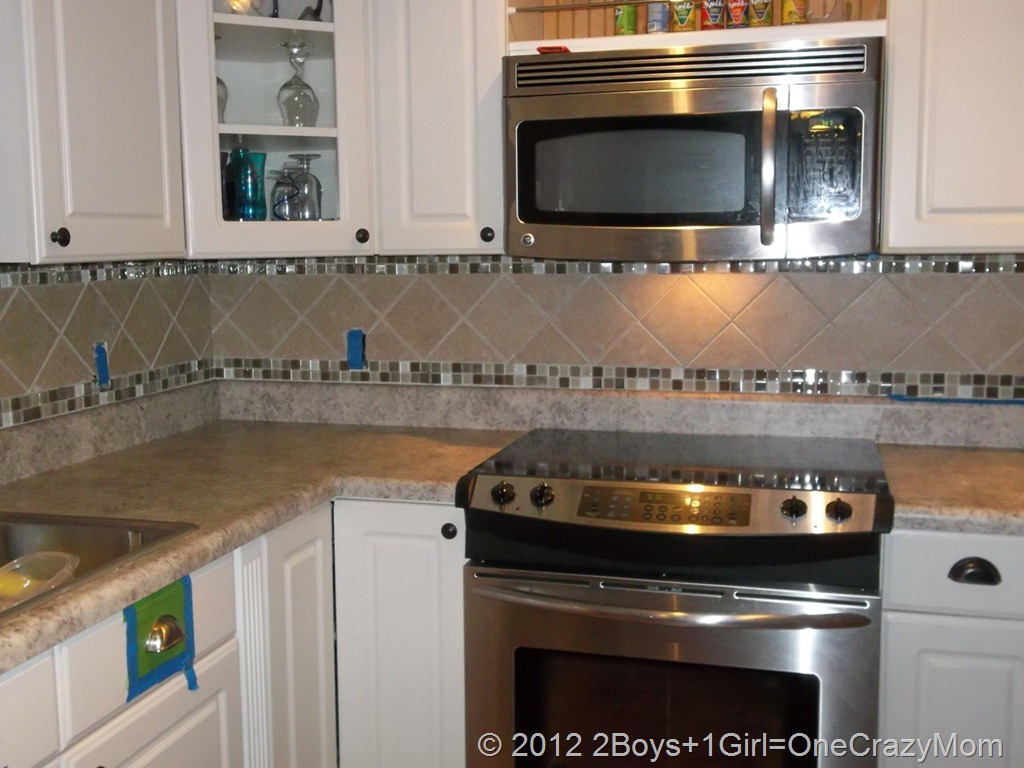 setting for the entire backsplash wow we got our tile at lowes and