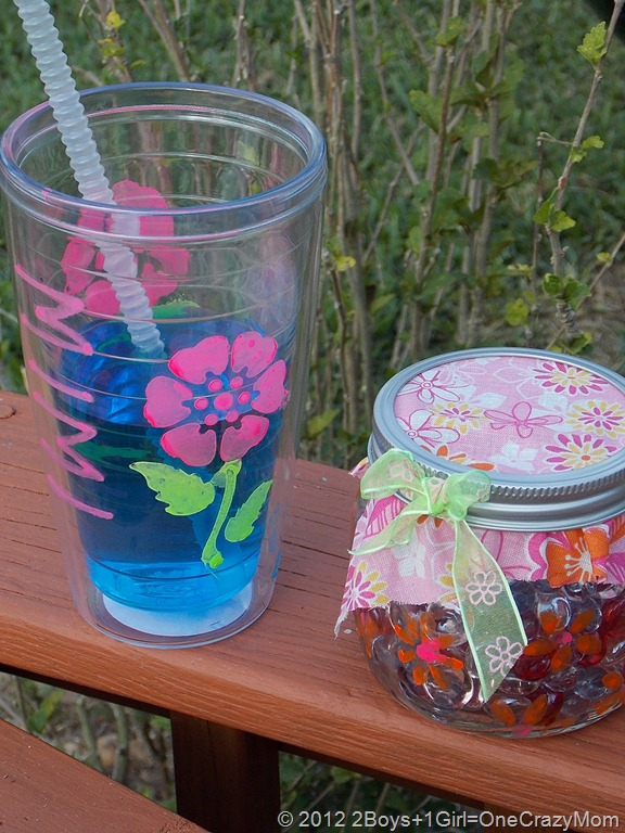 Simple Mother's Day Gift ideas every child can make with Elmer's Painters #ExpressYourself and #Cbias