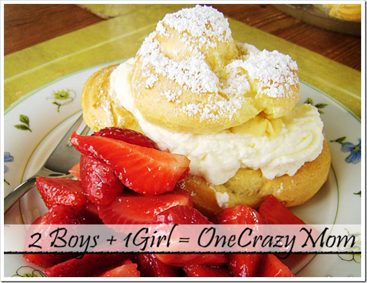 Strawberry Windbeutel cream puff
