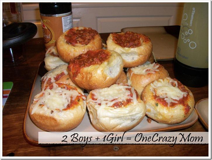 Pizza Garlic Bread Bowls