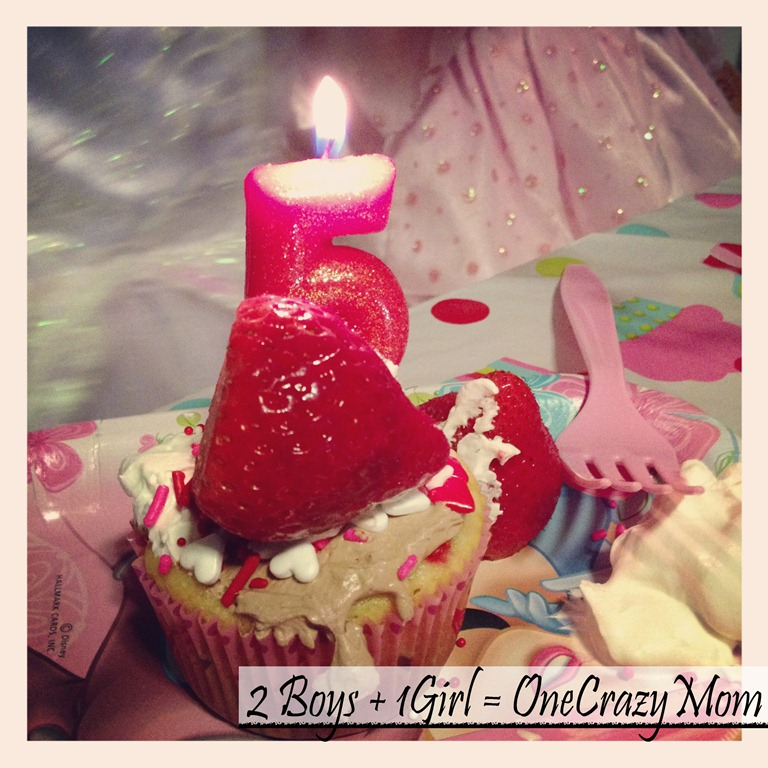 Guess who's 5 today!! #HappyBirthday and Party Tips fit for a Princess with Mini Pizza #Recipe