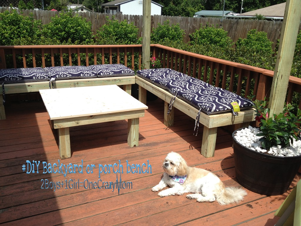 Create a simple diy backyard seating area in a weekend for Small deck seating ideas