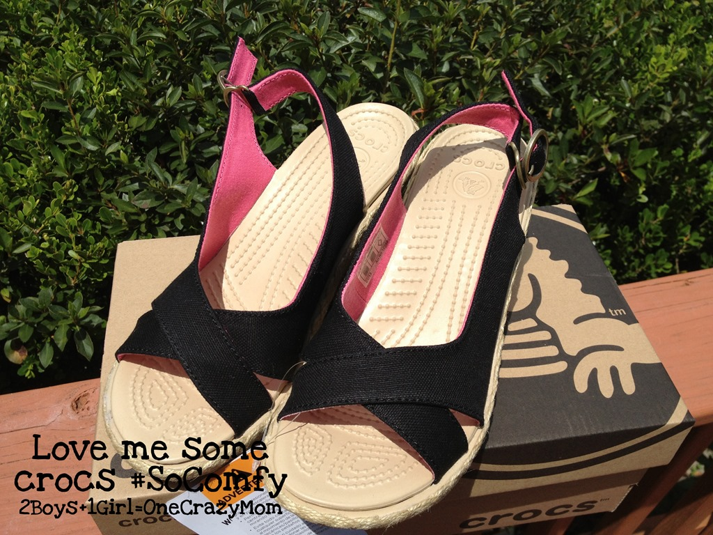 The Crocs Women's A-Leigh Linen Wedge is my new favorite shoe #Review