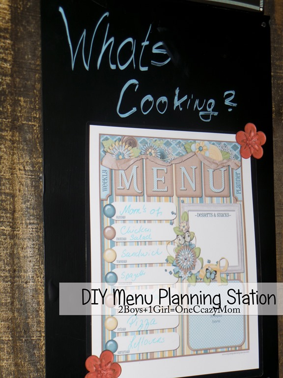 Create a #DIY Menu Plan space in your kitchen #Simple