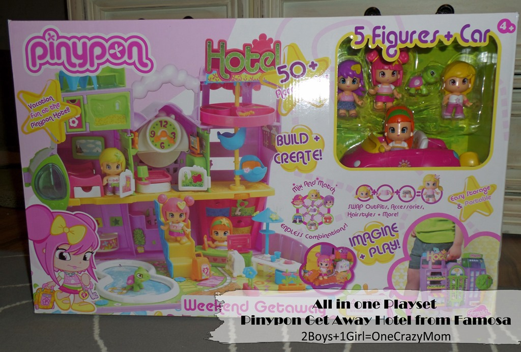 All in one Playset the Pinypon Get Away Hotel from Famosa #GiftGuide