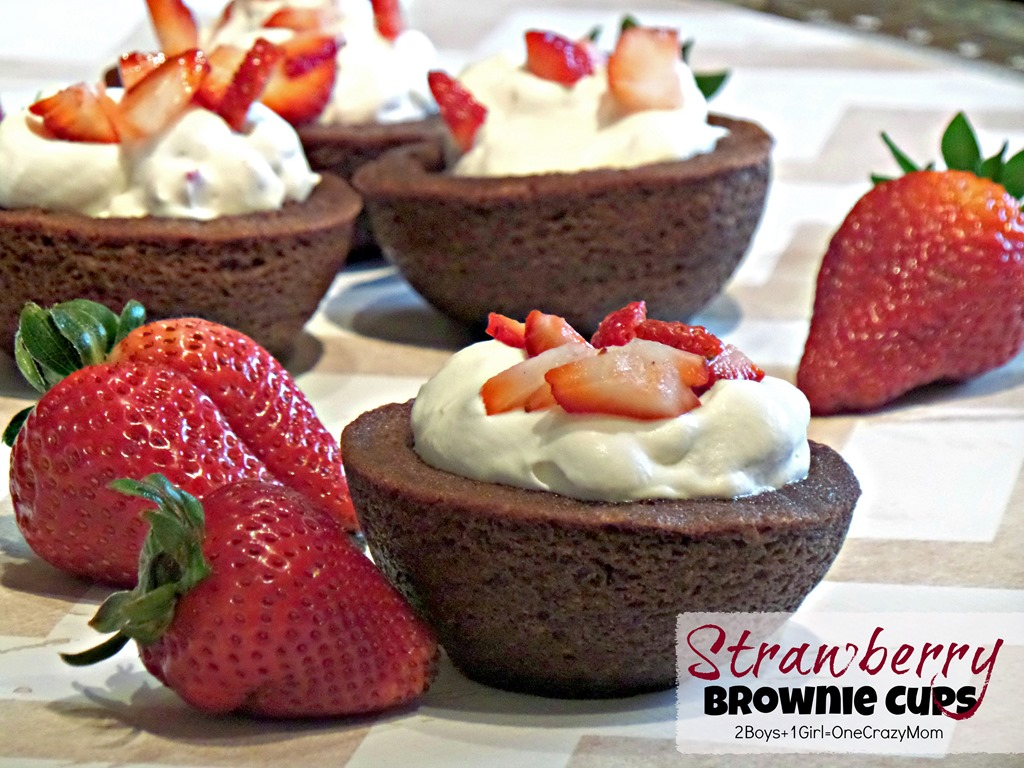 Dish up some simple Strawberry & Cream Brownie Cups #Recipe