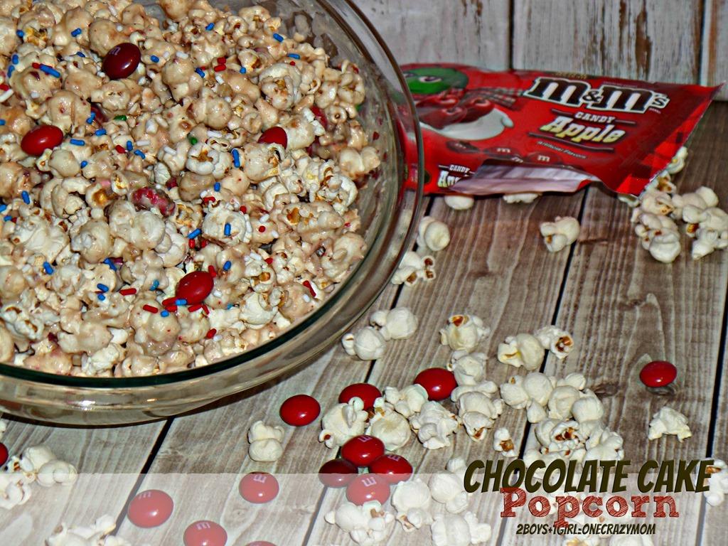 Movie night with Captain America and Chocolate Cake Popcorn #HeroesEatMMs