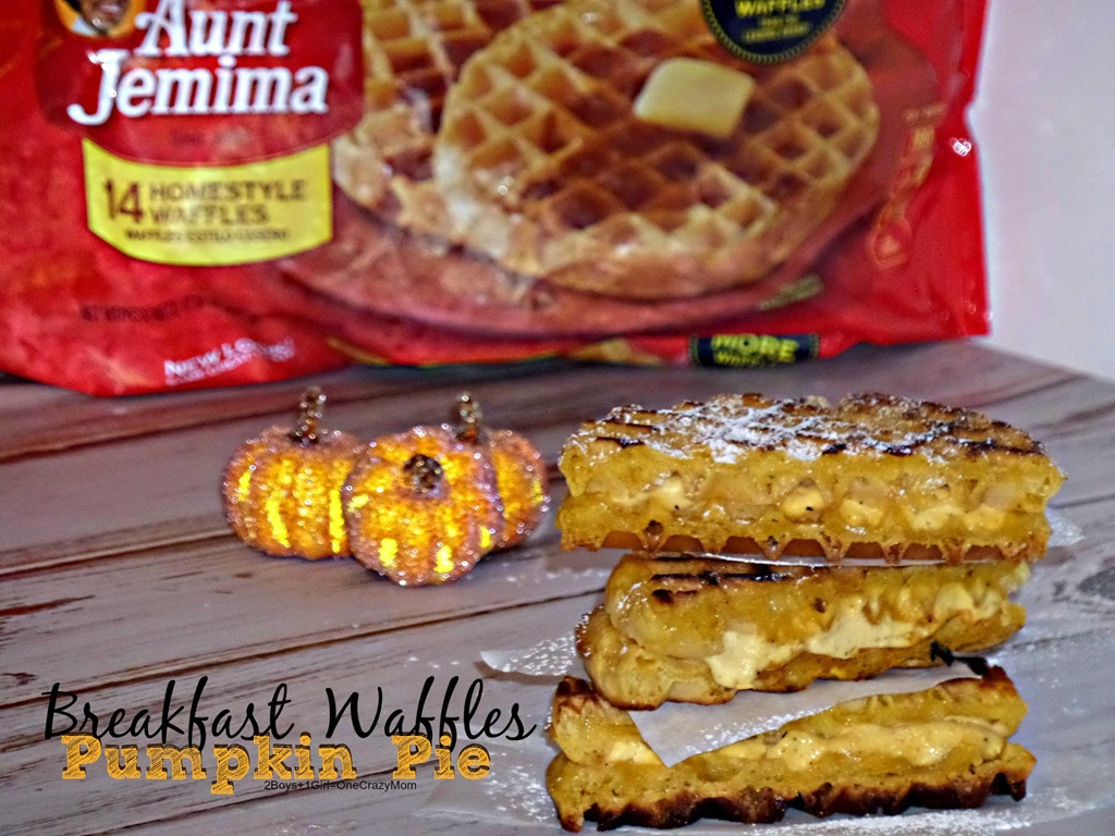We are dishing up delicious Frozen Breakfast Waffles a la Pumpkin Pie #4MoreWaffles