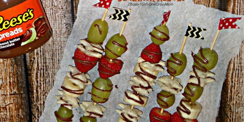 We love the Fruit & Reese's spreads sandwich kabobs #AnySnackPerfect