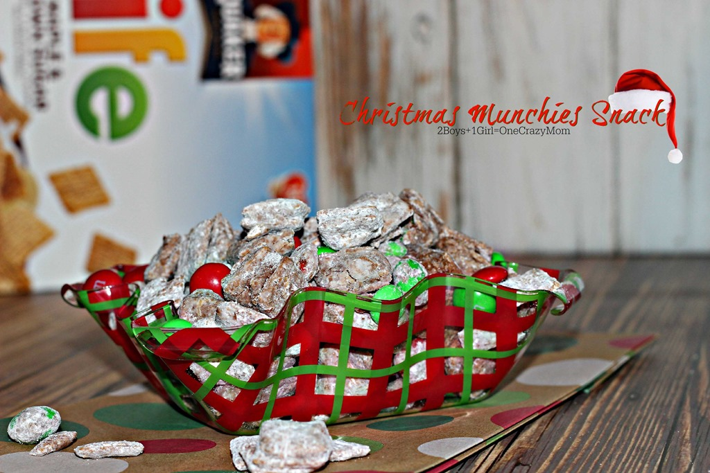 We are dishing up a special Christmas Munchies Snack with #QuakerUp and #LoveMyCereal for a special person