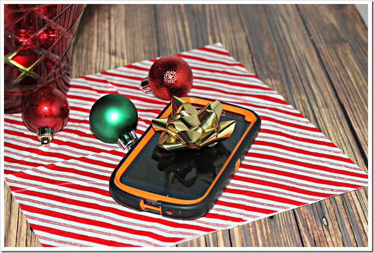We love Family Mobile and it's a perfect gift idea this Christmas Season because the #HolidaysAreCalling #ad #cbias