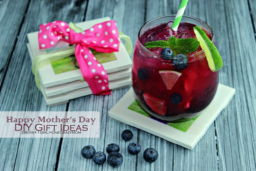Spoile mom this Mothers Day with a #DIY Tile Coaster set and a fun Blueberry Virgin Mojito #Recipe #CreativeHop