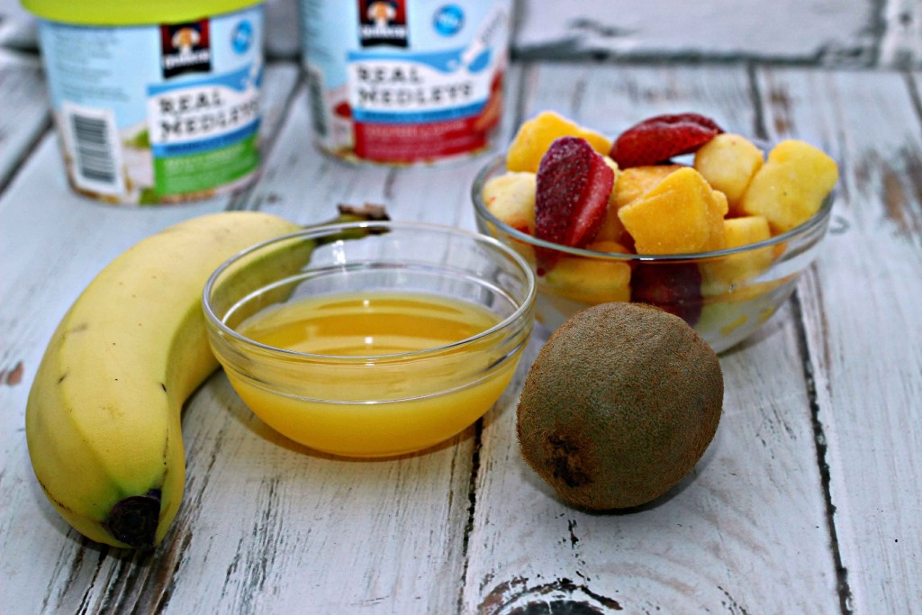 #QuakerRealMedleys  is a simple breakfast idea pair it with a smoothie for a delicouse breakfast