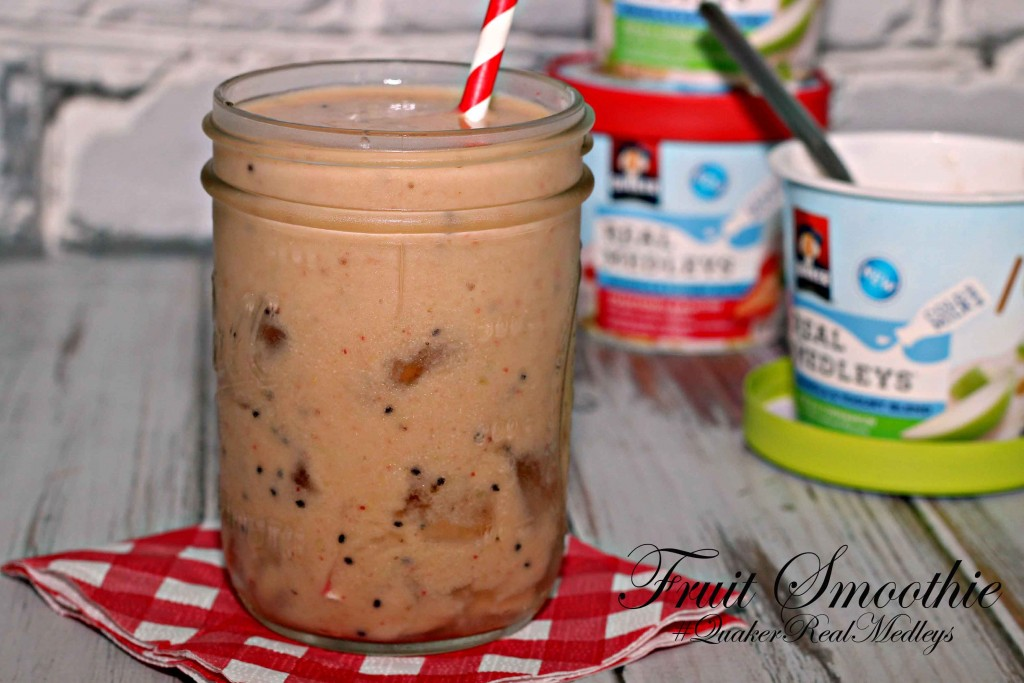 Dish up a super fast breakfast with #QuakerRealMedleys and a smoothie #Recipe