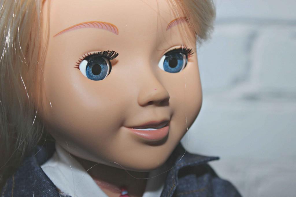 Meet My Friend Cayla she is a talking doll #Review