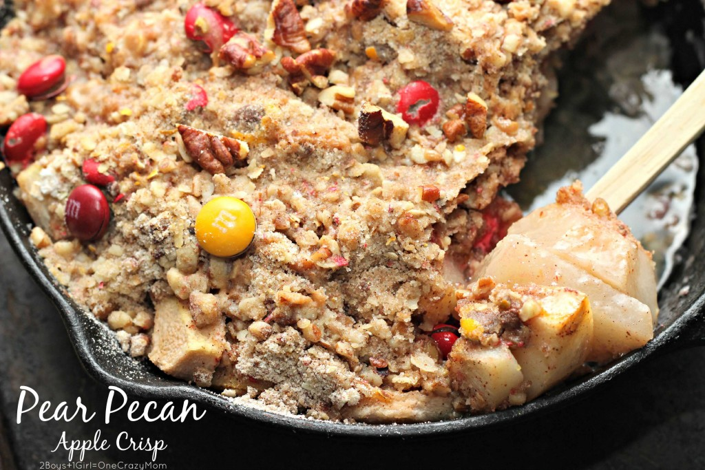 Dish up a simple pear pecan apple crisp dessert #BakeInTheFun