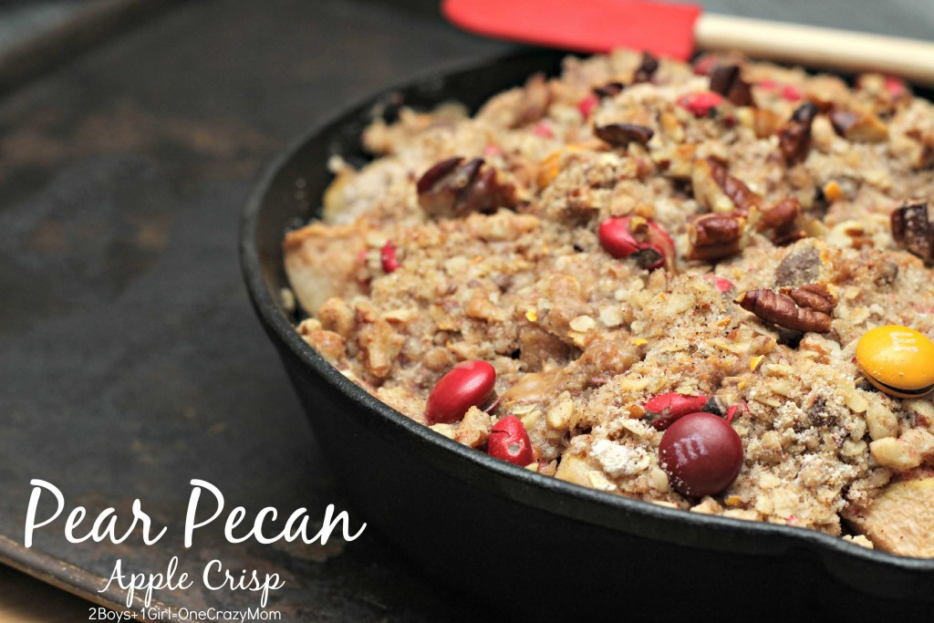 Pear Pecan Apple Crisp is a quick and yummy dessert #BakeInTheFun
