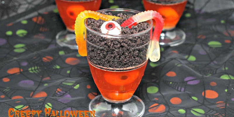 Spooky Halloween Snack Cups are a must at any party #SpookySnacks