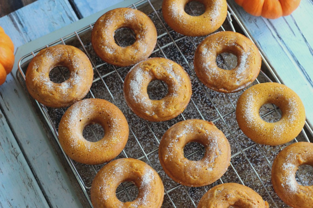 Make your own Pumpkin Lebkuchen Doughnuts #Recipe