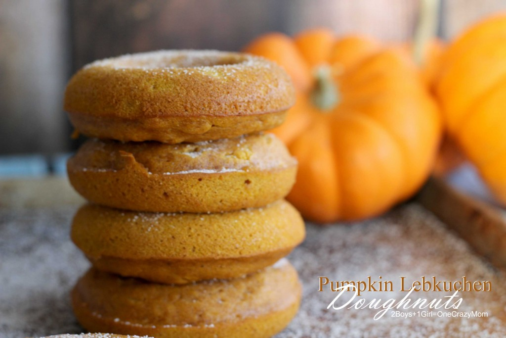 This Pumpkin Lebkuchen Doughnuts are so easy to make #Recipe
