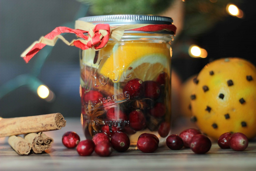 Share Christmas in a Mason Jar with your friends