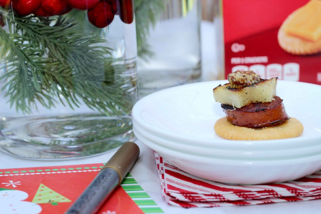 Create a fun Christmas Party for friends #NabiscoPartyPlanner, #BringHomeTheHolidays
