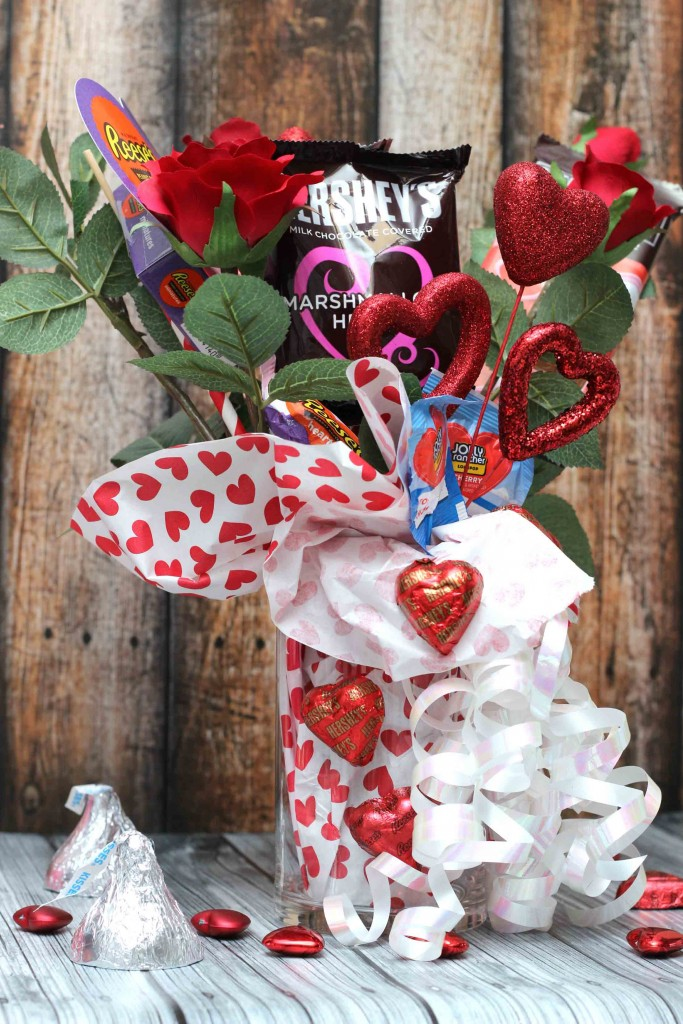 create a simple Valentine gift that comes from the heart #HSYMessageOfLove