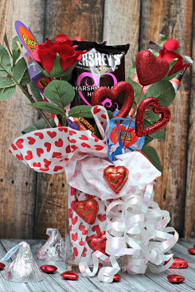 surprise someone with a simple DIY Valentine gift #HSYMessageOfLove