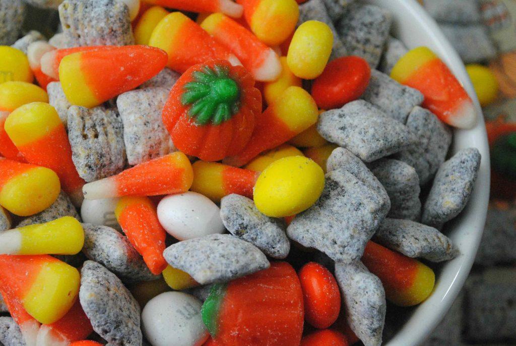 pumpkin-muddy-buddy-snack-idea