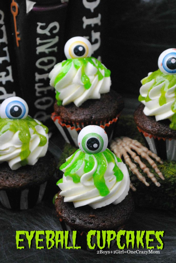 halloween-green-slime-eyeball-cupcakes